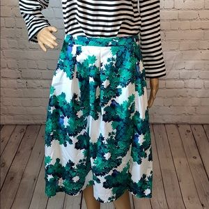 Boden Box Pleated Floral Skirt